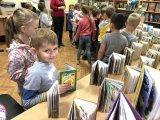 Ребята читают книги-1.jpg